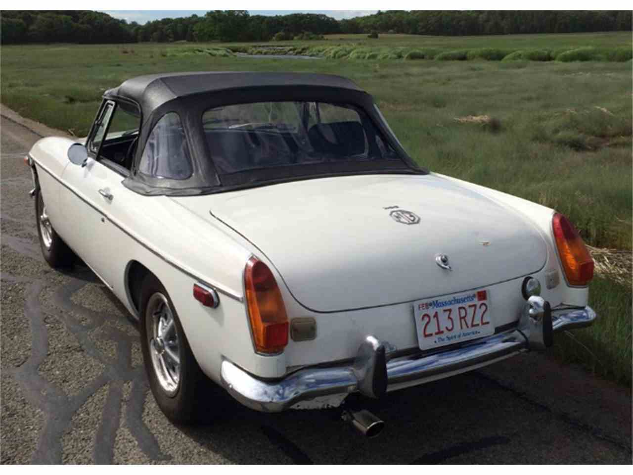 Large Picture of '73 MGB - JFQA
