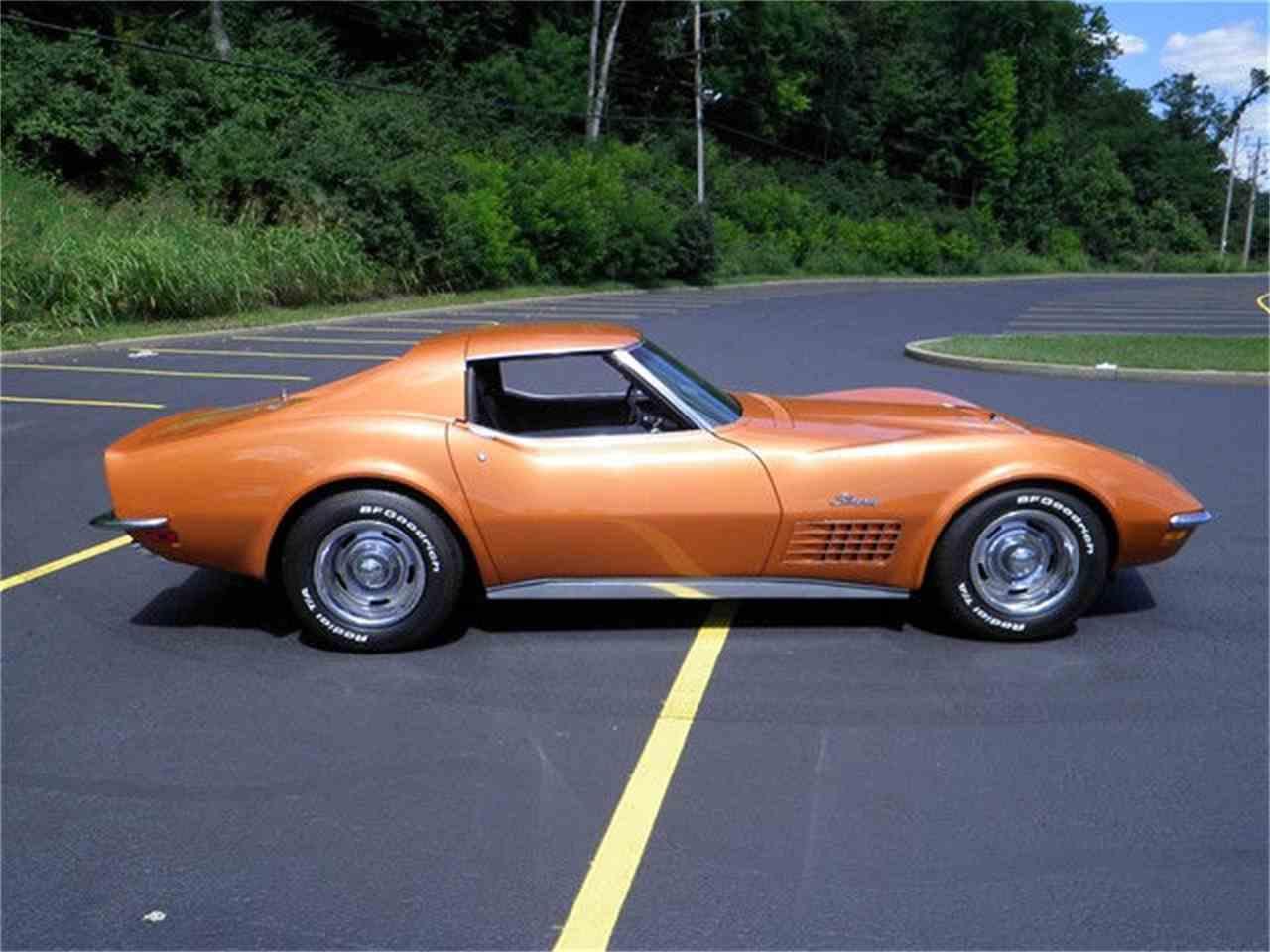 Large Picture of '72 Corvette - JFYT