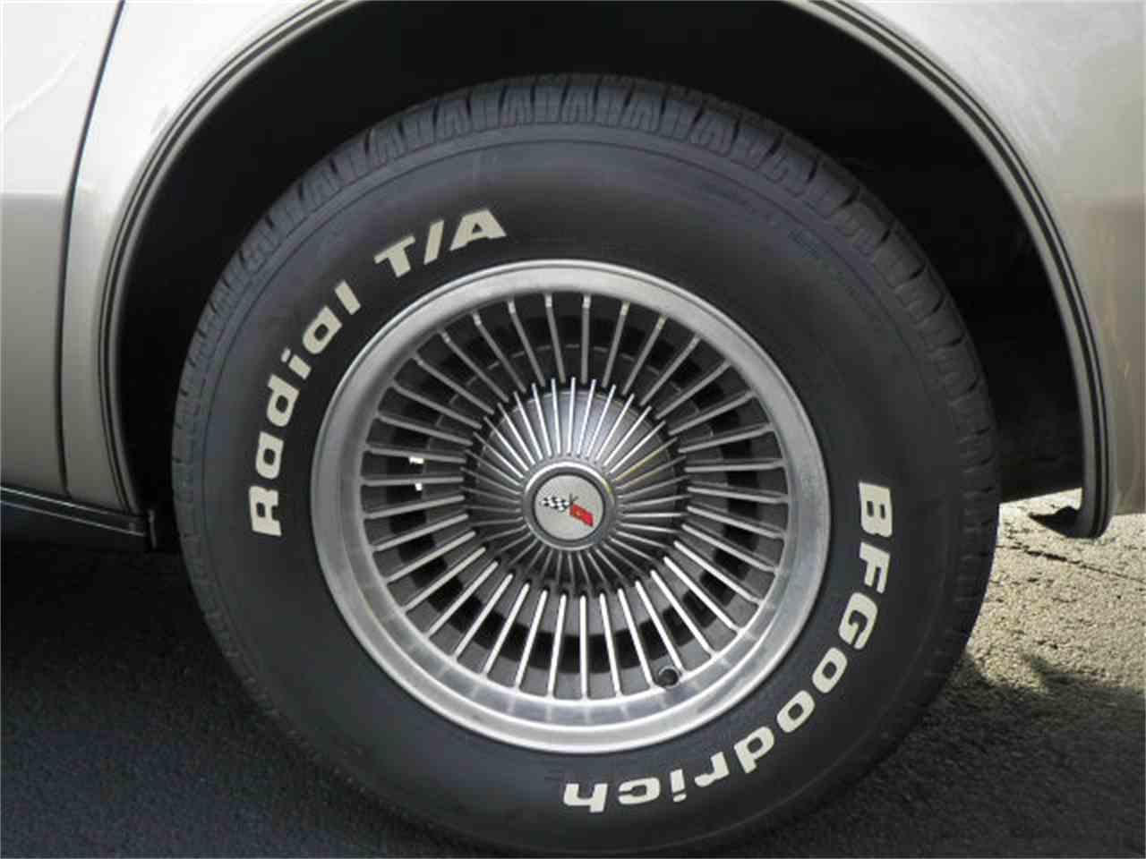 Large Picture of '82 Corvette - JFYZ