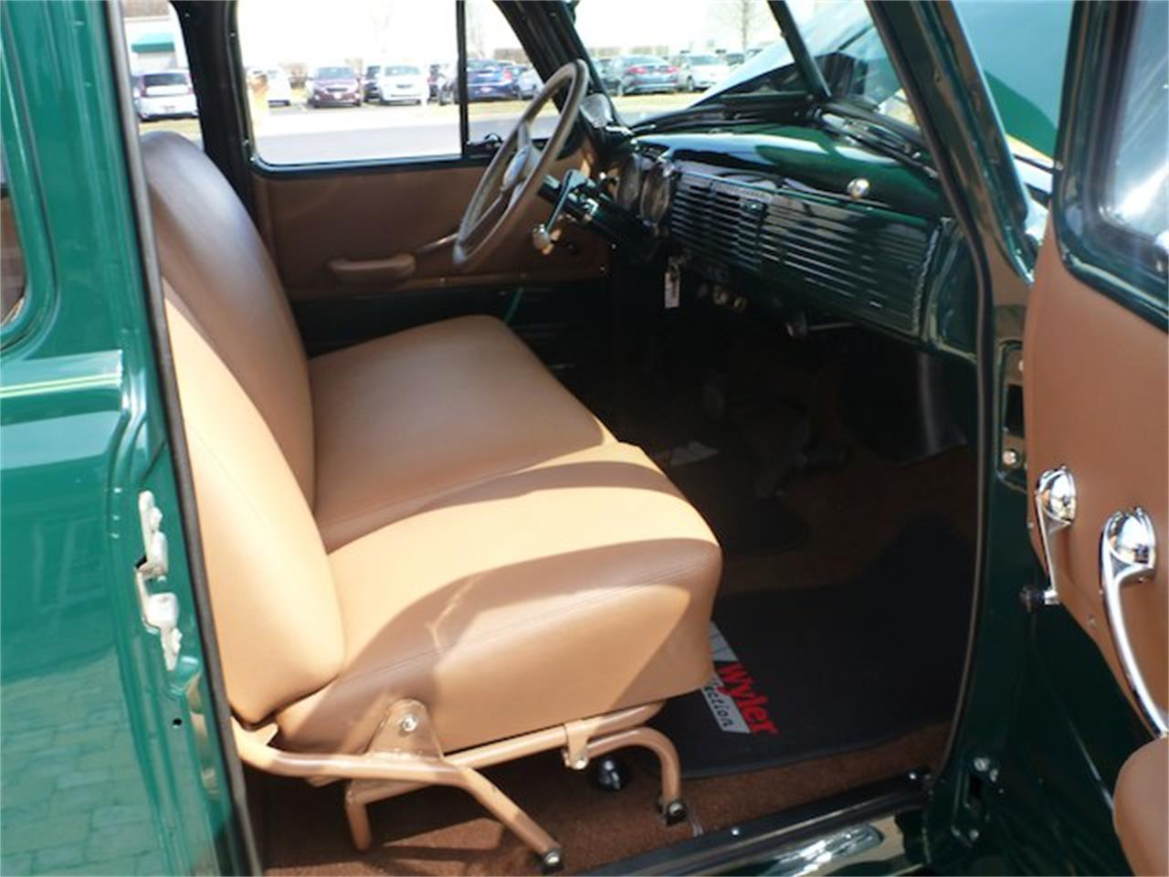 Large Picture of '52 Suburban - JFZG