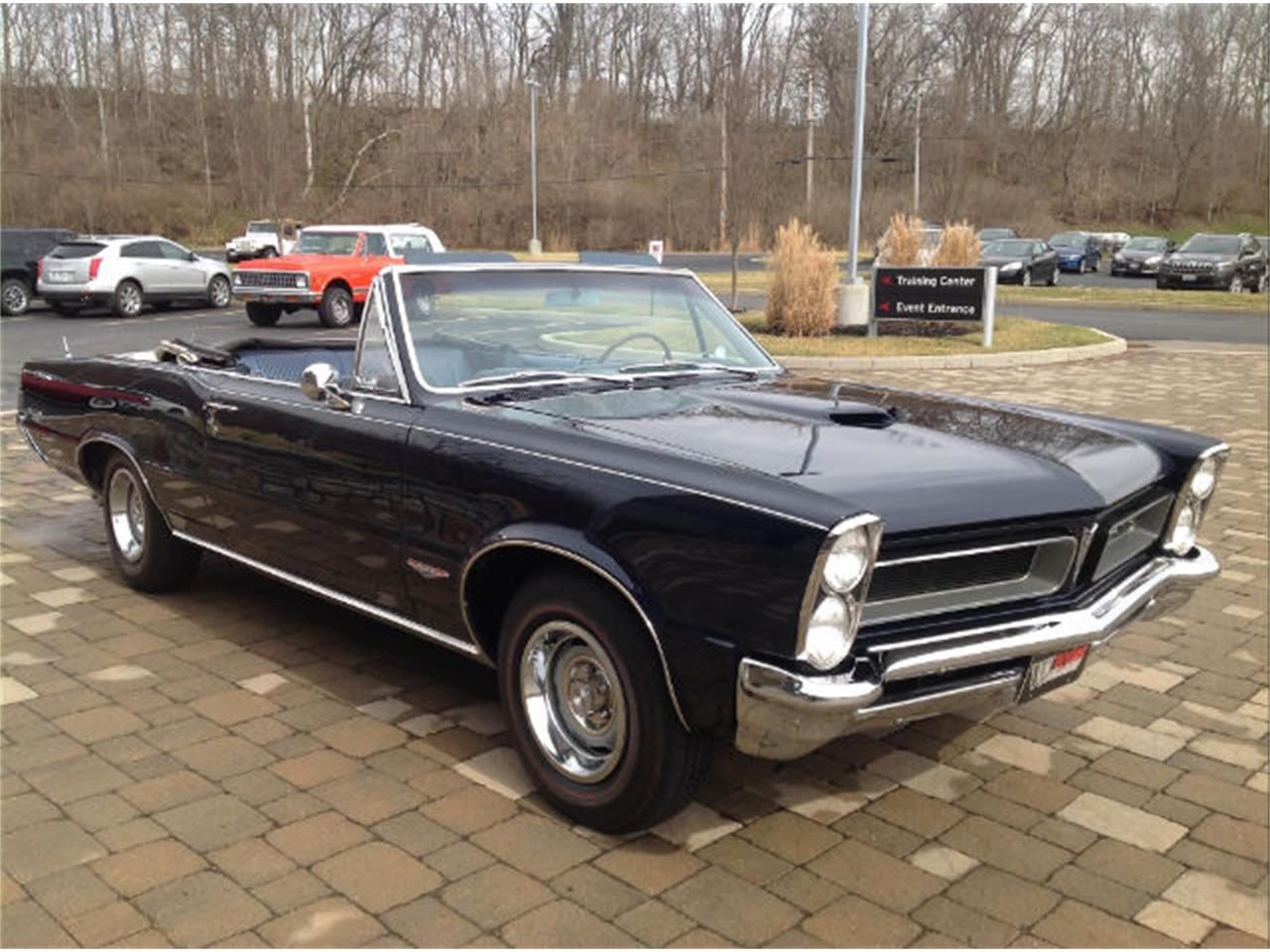 Large Picture of Classic '65 Pontiac GTO Offered by Wyler Collection - JFZI