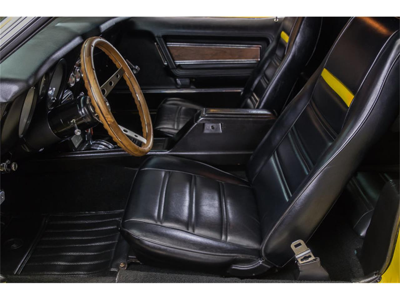 Large Picture of 1972 Ford Mustang Boss 351 Recreation Offered by Vanguard Motor Sales - JGDO
