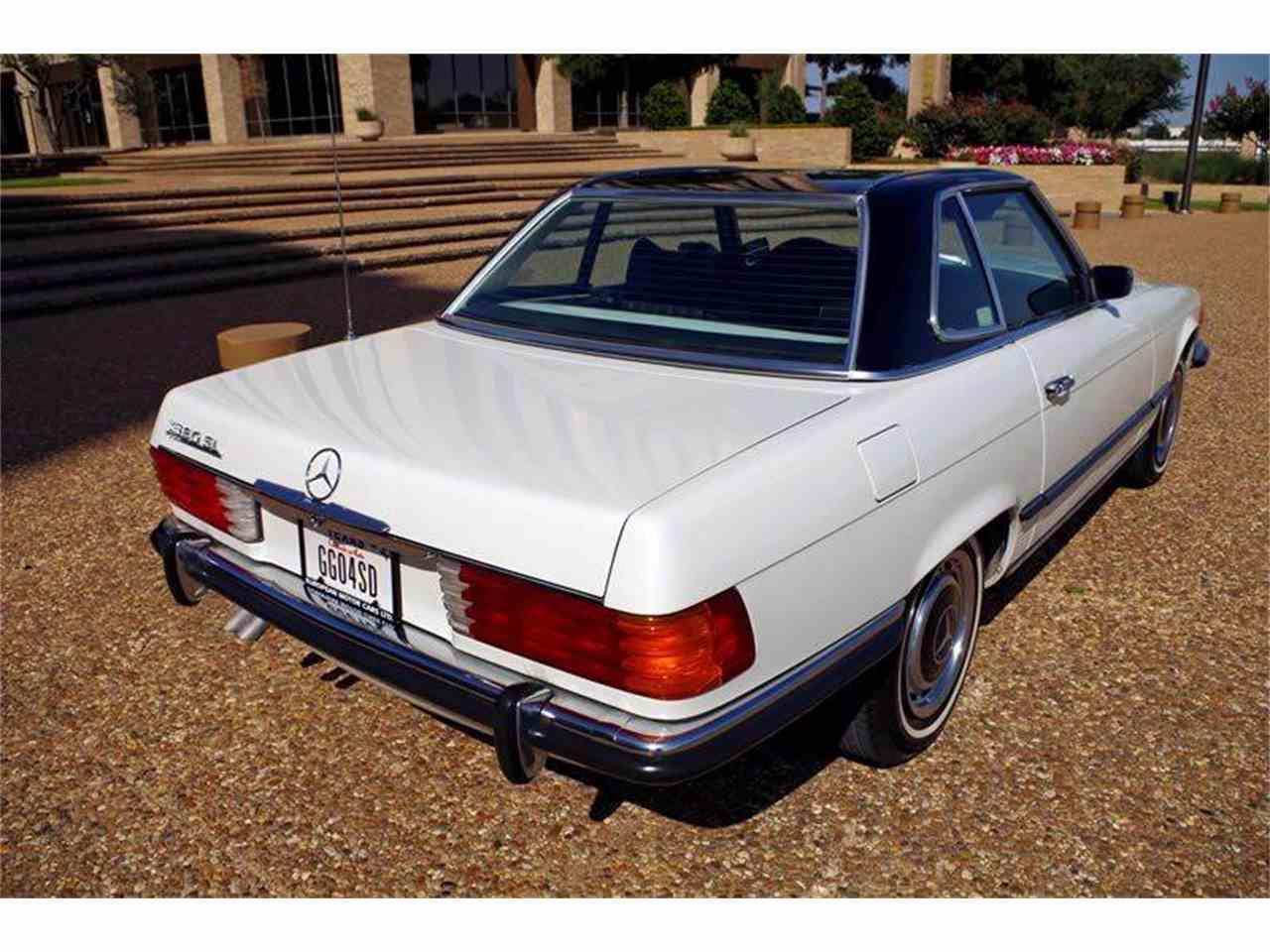 Large Picture of '72 Mercedes-Benz SL-Class Offered by European Motor Cars LTD - JGGA