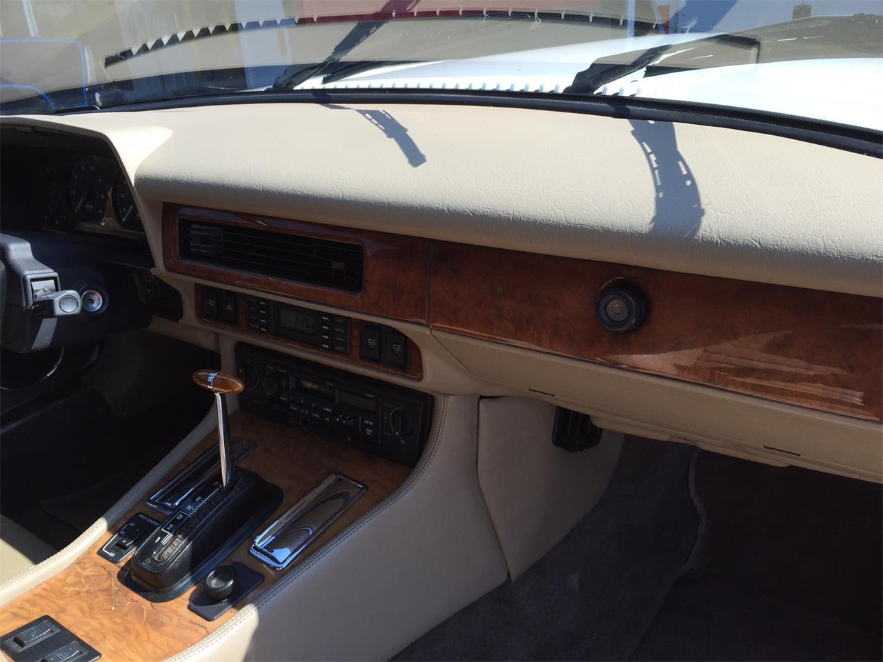 Large Picture of 1992 Jaguar XJS located in Illinois - JGHZ