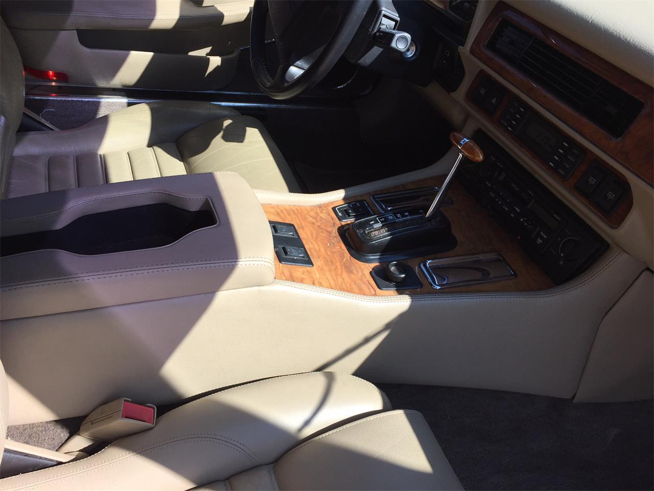 Large Picture of '92 Jaguar XJS located in Effingham Illinois - $6,900.00 - JGHZ