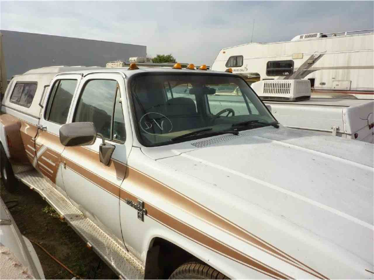 Large Picture of '87 Chevrolet CREW CAB DUALLY Offered by WDC Global Exports - JB2Q