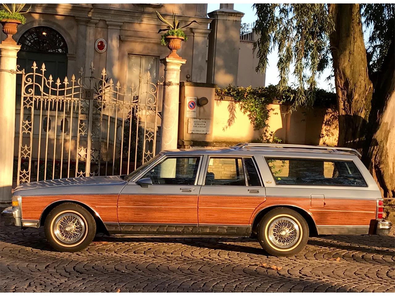 Large Picture of '87 Caprice located in Rome Italy - JH35