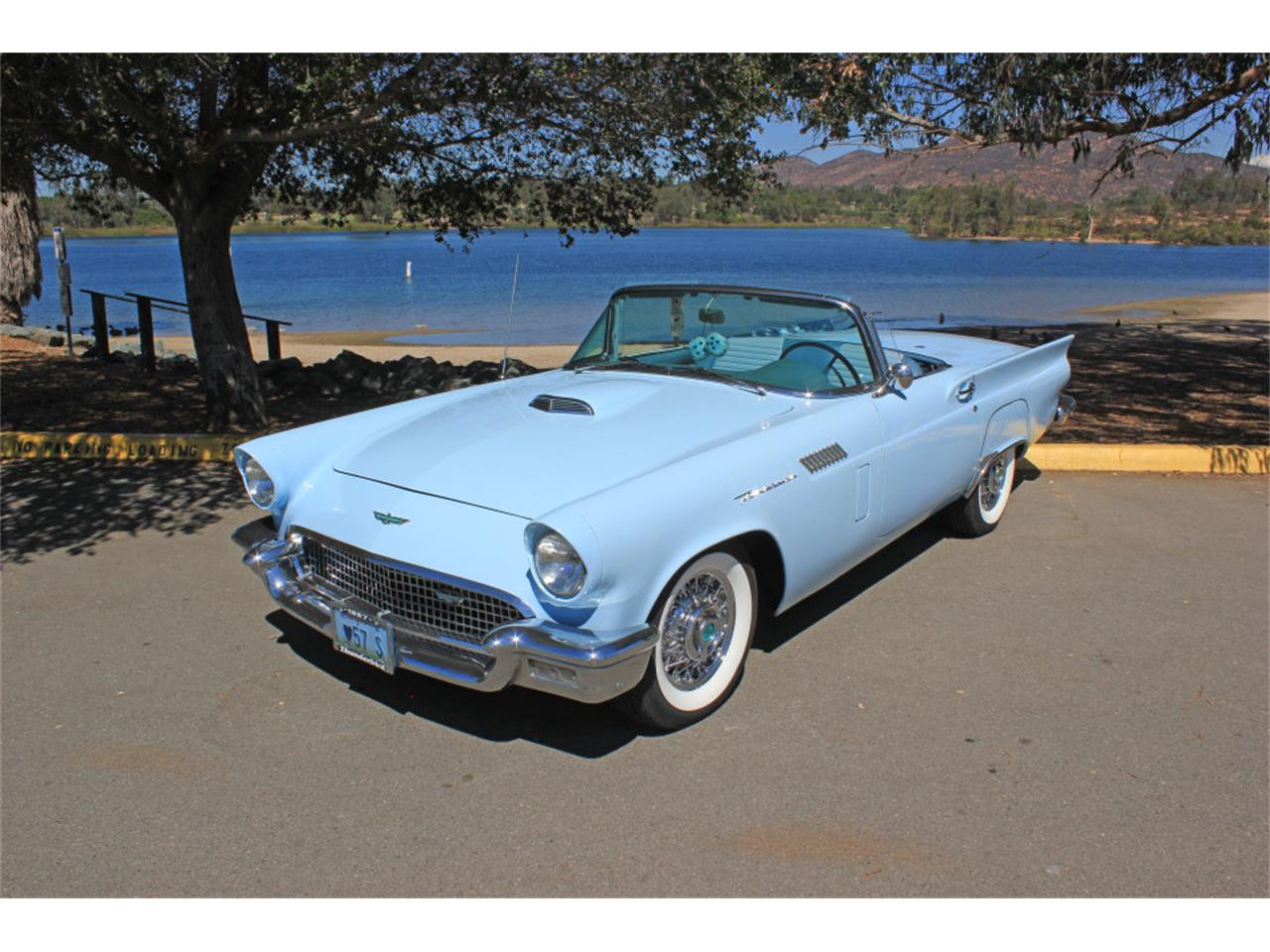 Large Picture of '57 Thunderbird - JHBE
