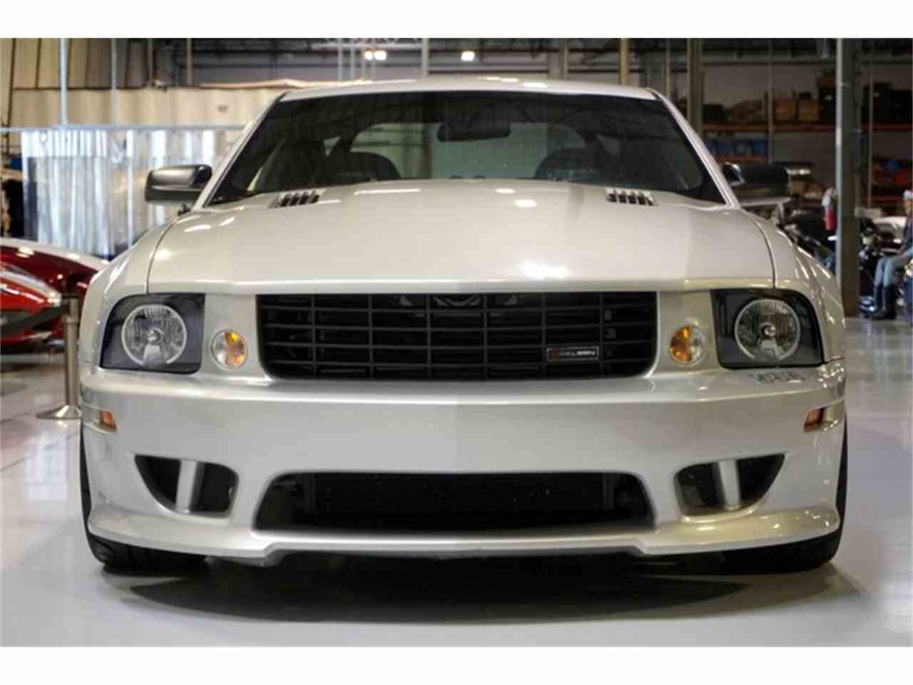Large Picture of '06 Ford Mustang located in Solon Ohio - $33,990.00 Offered by R&H Motor Car Group - JHI8