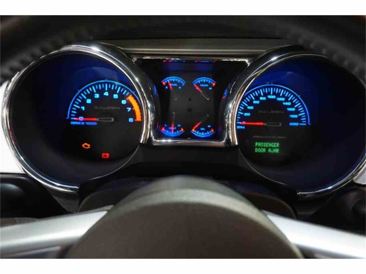 Large Picture of '06 Ford Mustang Offered by R&H Motor Car Group - JHI8