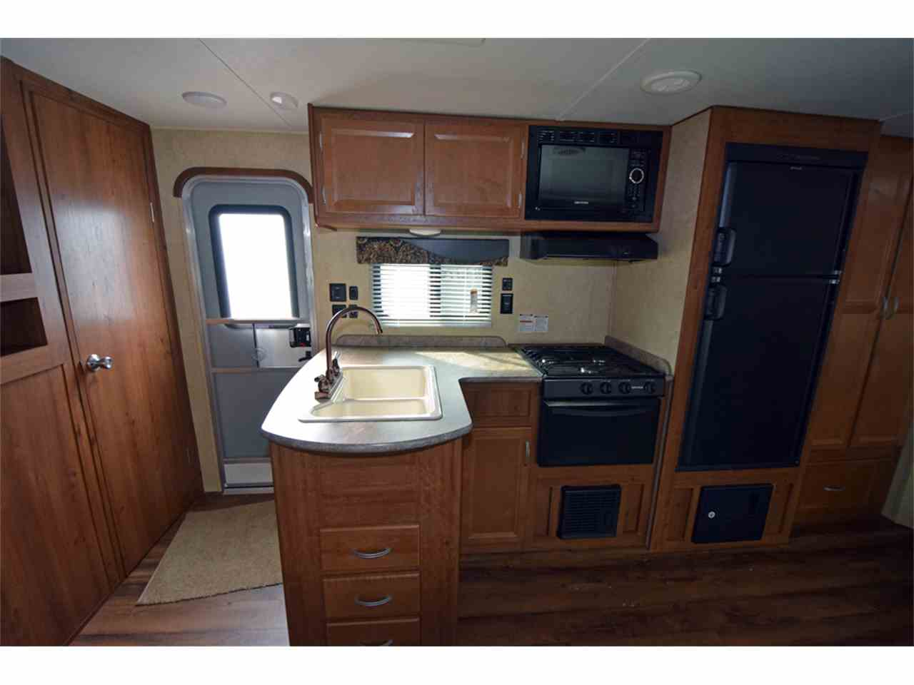 Large Picture of '17 Recreational Vehicle - JHYH