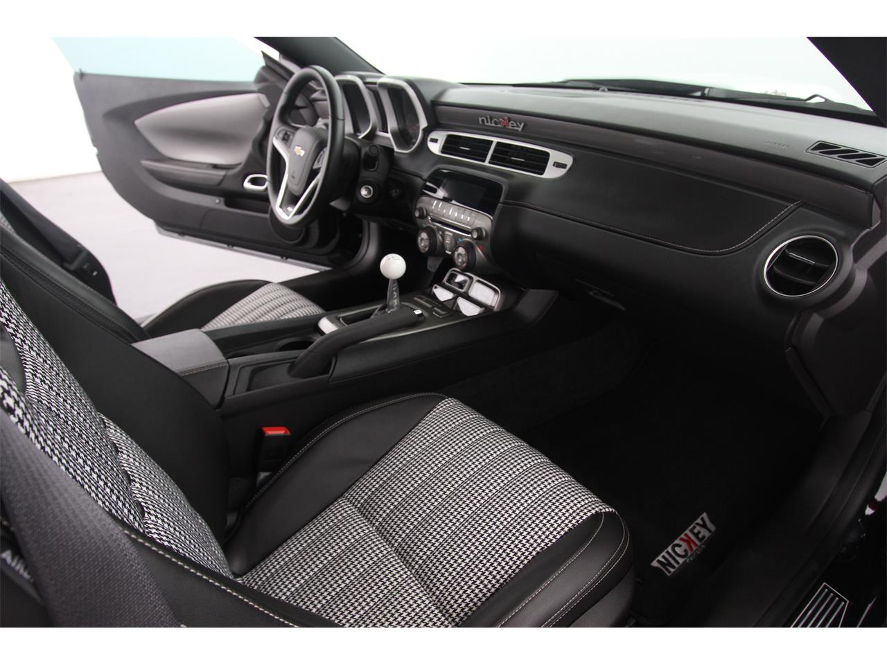 Large Picture of '12 Chevrolet Camaro located in Illinois - $52,500.00 - JHYN
