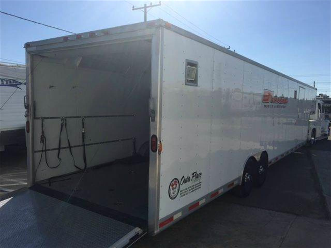 Large Picture of '04 Exxis Gooseneck 5th Wheel located in California Auction Vehicle - JJ2K