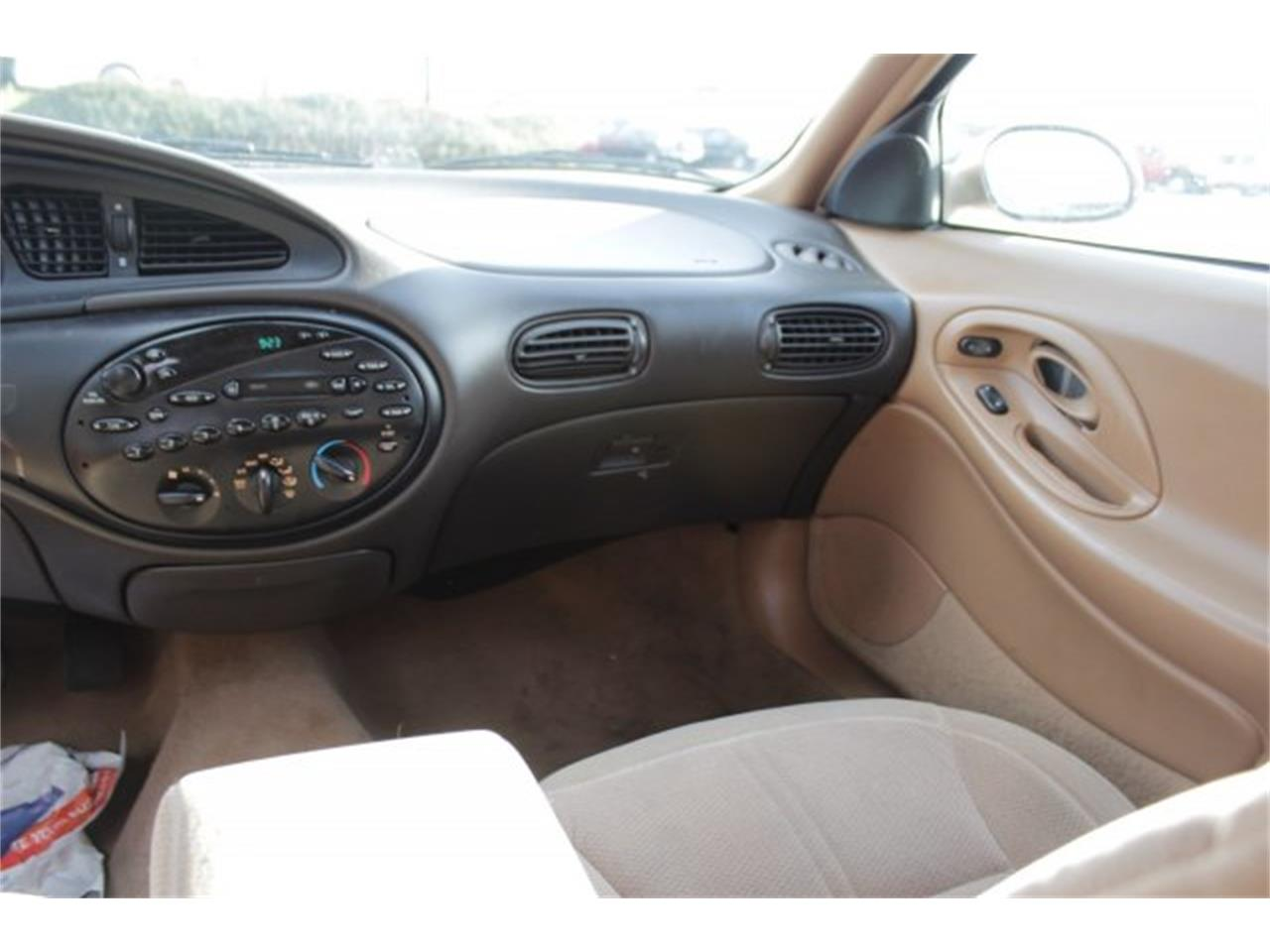 Large Picture of '96 Ford Taurus located in Washington - $2,995.00 Offered by Carson Cars - JJGX