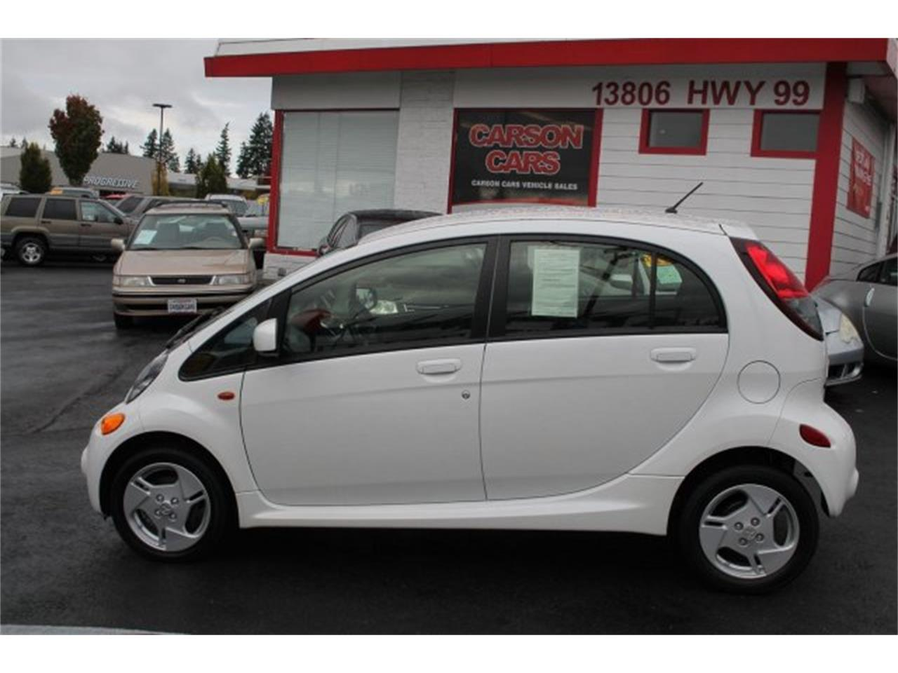 Large Picture of 2014 Mitsubishi i-MiEV located in Lynnwood Washington Offered by Carson Cars - JJJG