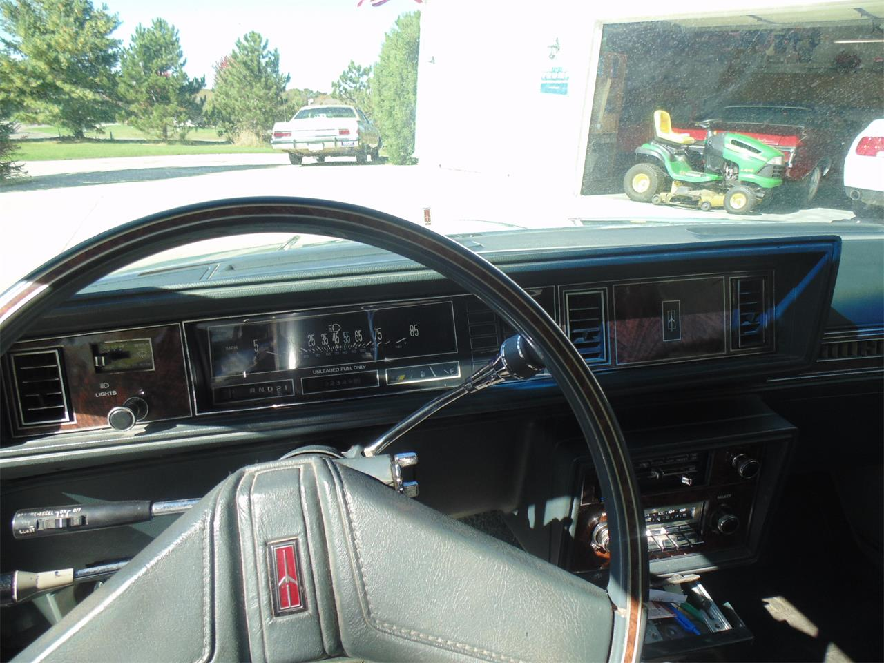 Large Picture of '81 Cutlass Supreme - JJJT