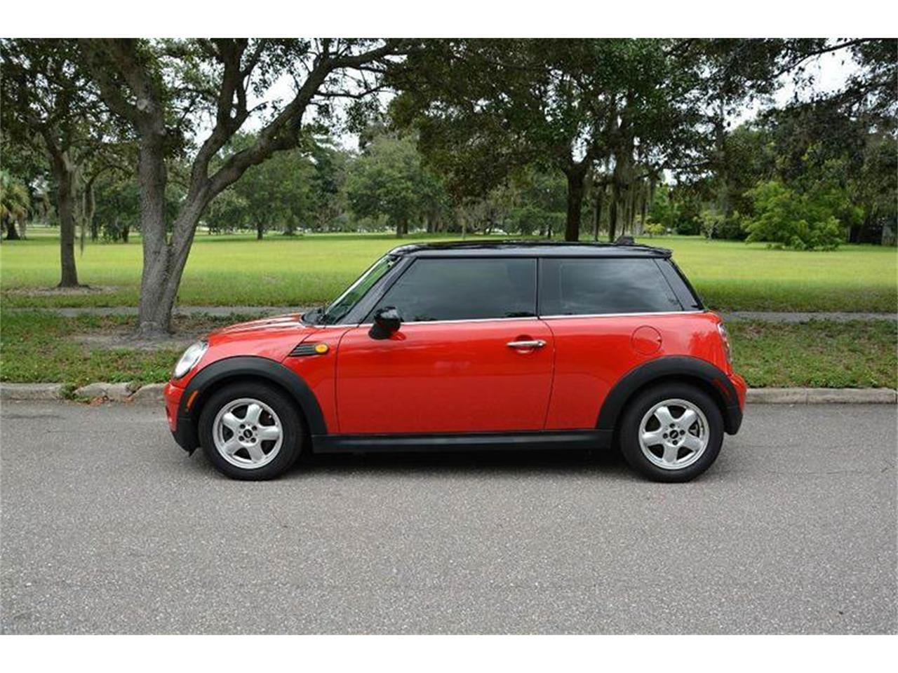 Large Picture of '07 MINI Cooper located in Clearwater Florida - JJP2