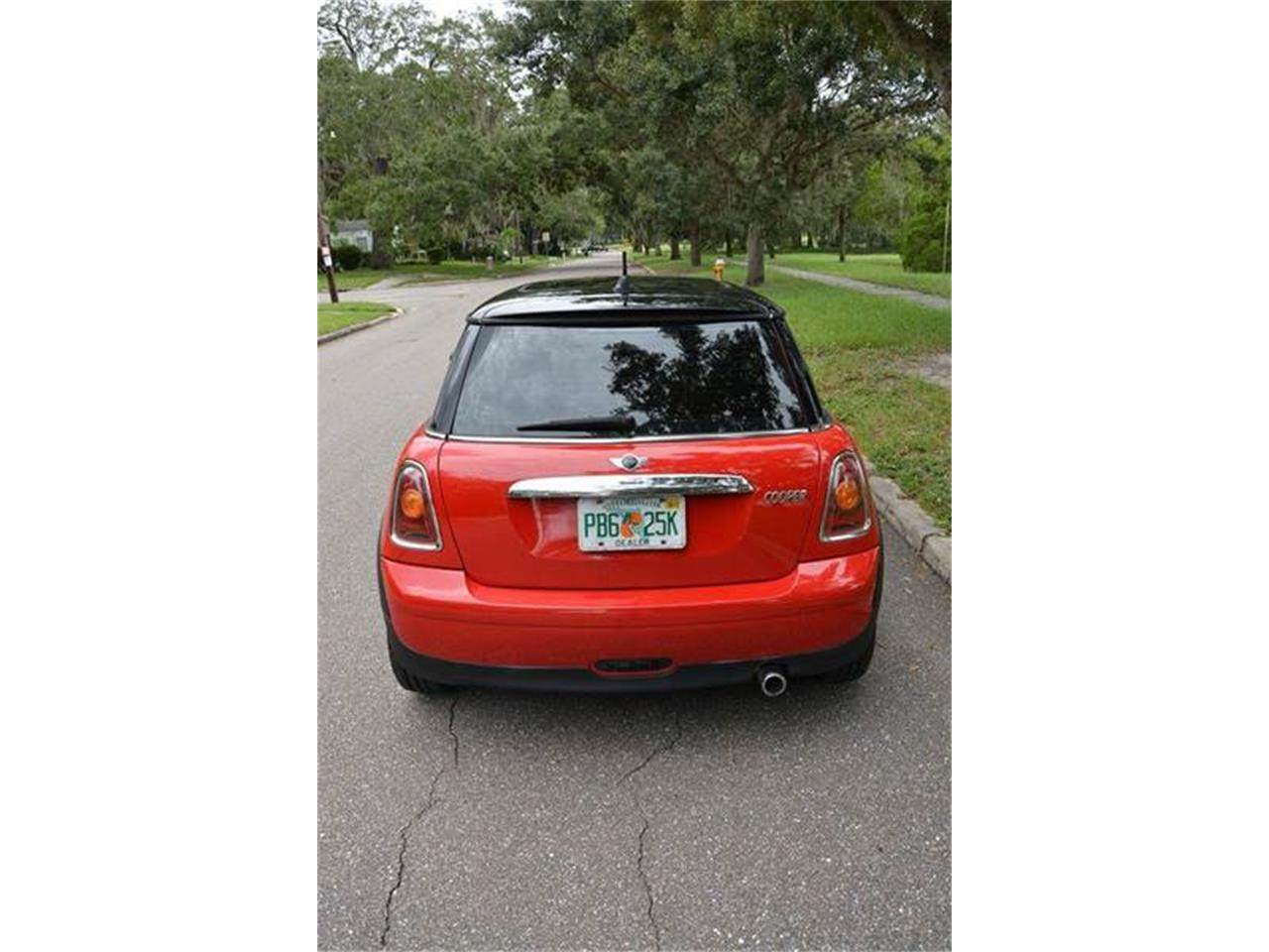Large Picture of '07 MINI Cooper located in Clearwater Florida - $9,500.00 - JJP2