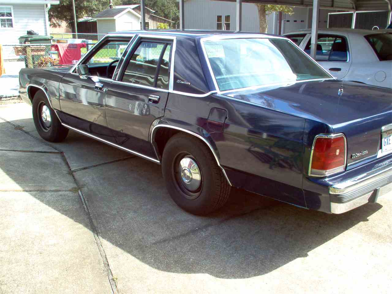 1991 Ford Crown Victoria for Sale | ClassicCars.com | CC-912723