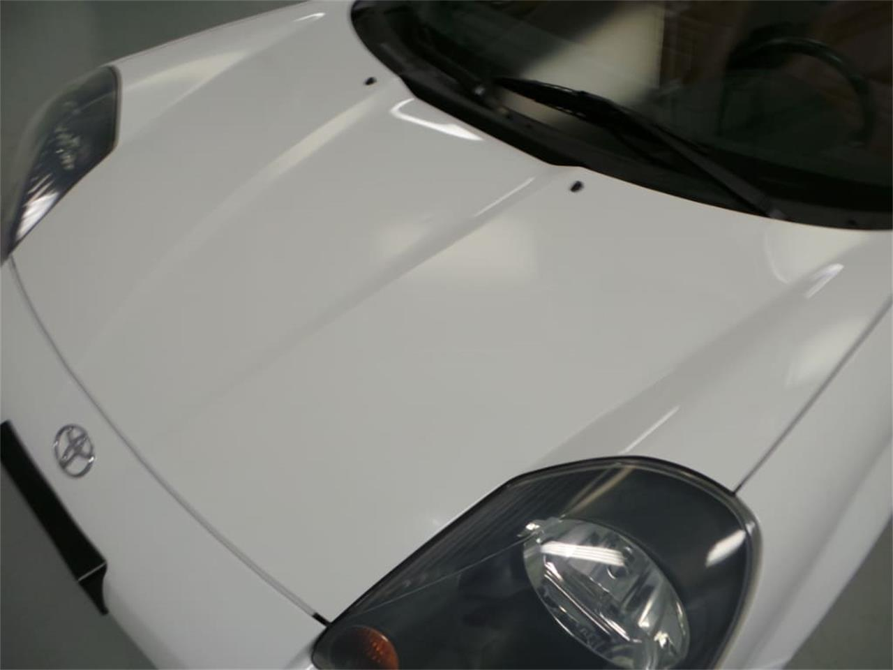 Large Picture of '01 Toyota MR2 Spyder located in Christiansburg Virginia - $13,908.00 - JL89