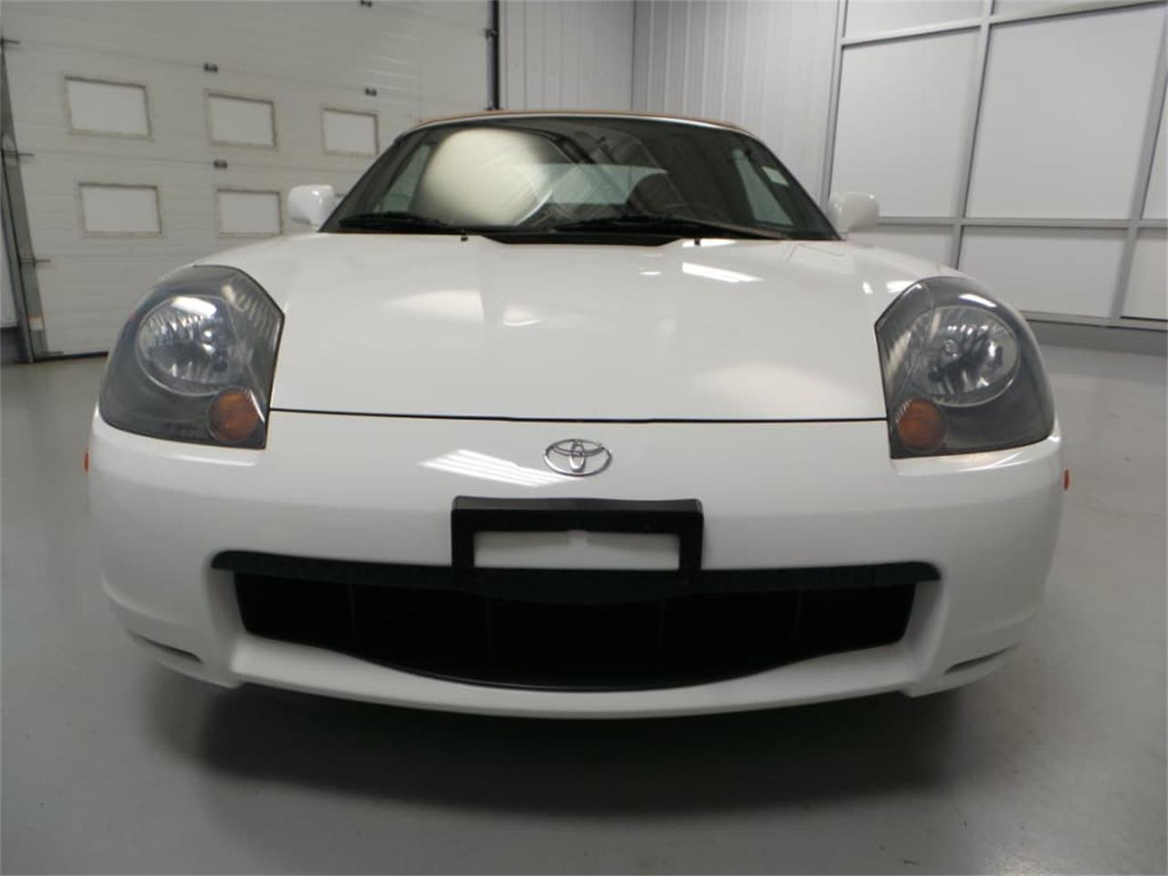 Large Picture of 2001 MR2 Spyder located in Christiansburg Virginia - JL89