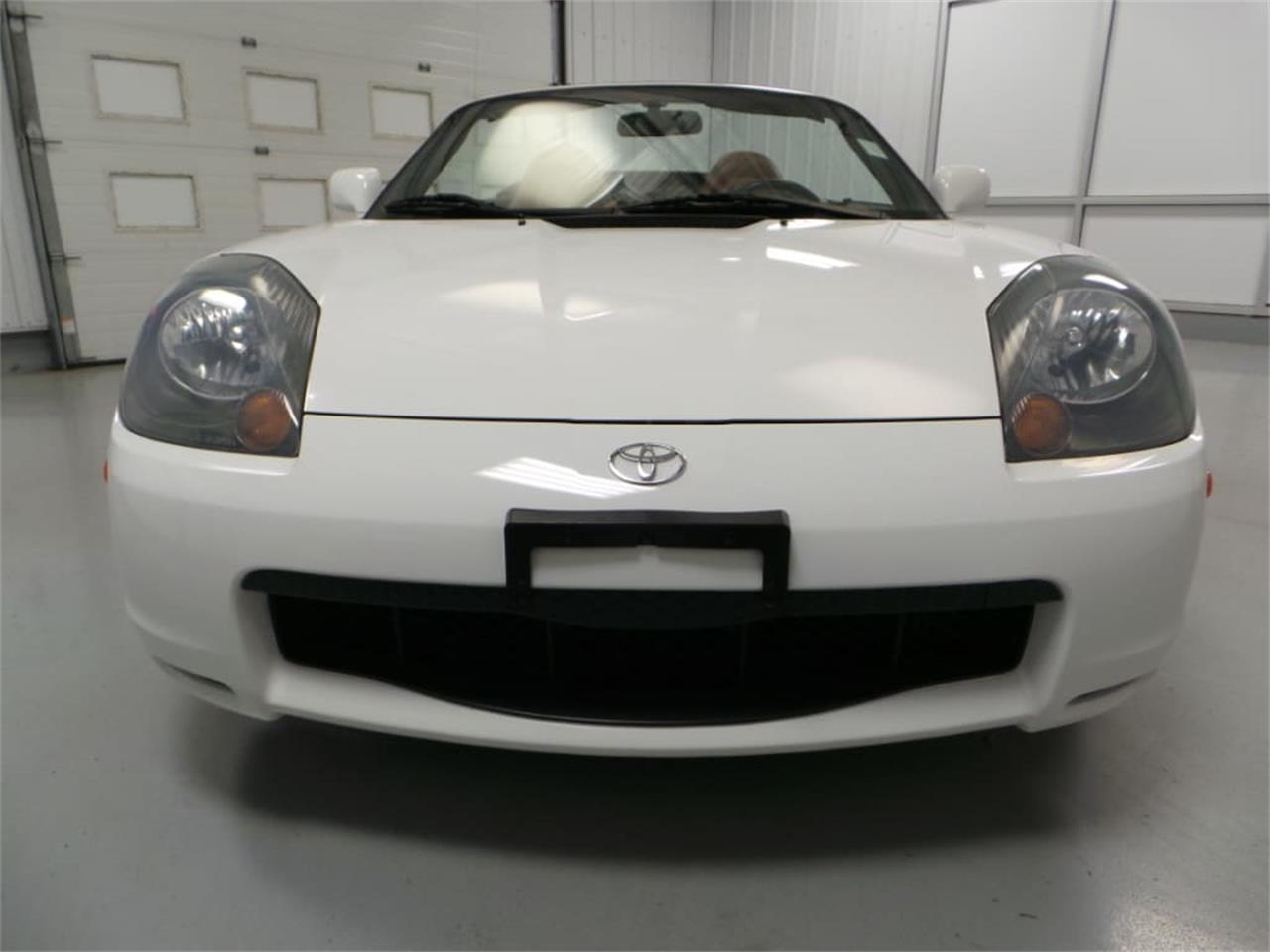 Large Picture of '01 Toyota MR2 Spyder - $13,908.00 Offered by Duncan Imports & Classic Cars - JL89
