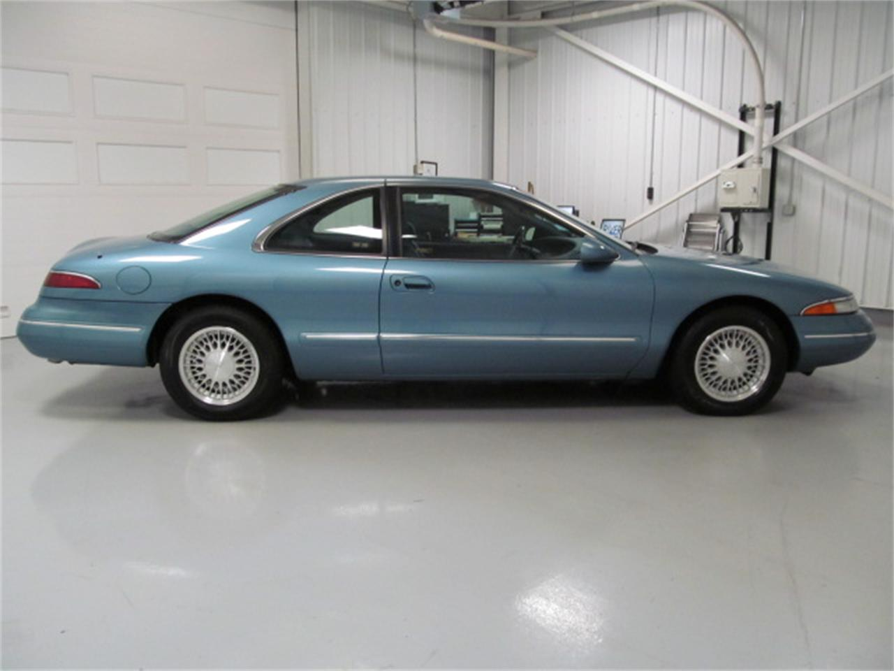 Large Picture of 1993 Lincoln Mark VIII - JL9Z