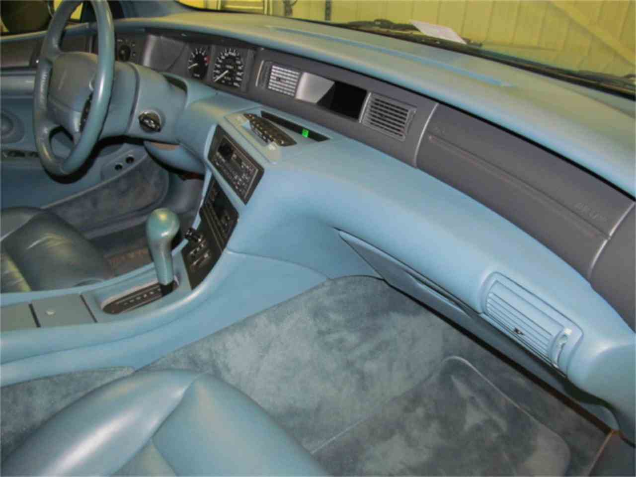 Large Picture of '93 Mark VIII located in Virginia - $9,900.00 Offered by Duncan Imports & Classic Cars - JL9Z