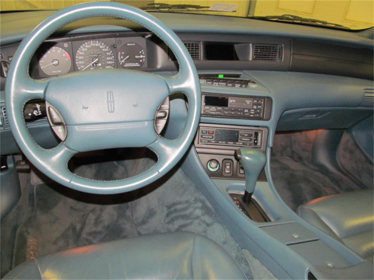 Large Picture of 1993 Mark VIII located in Virginia - $9,900.00 Offered by Duncan Imports & Classic Cars - JL9Z
