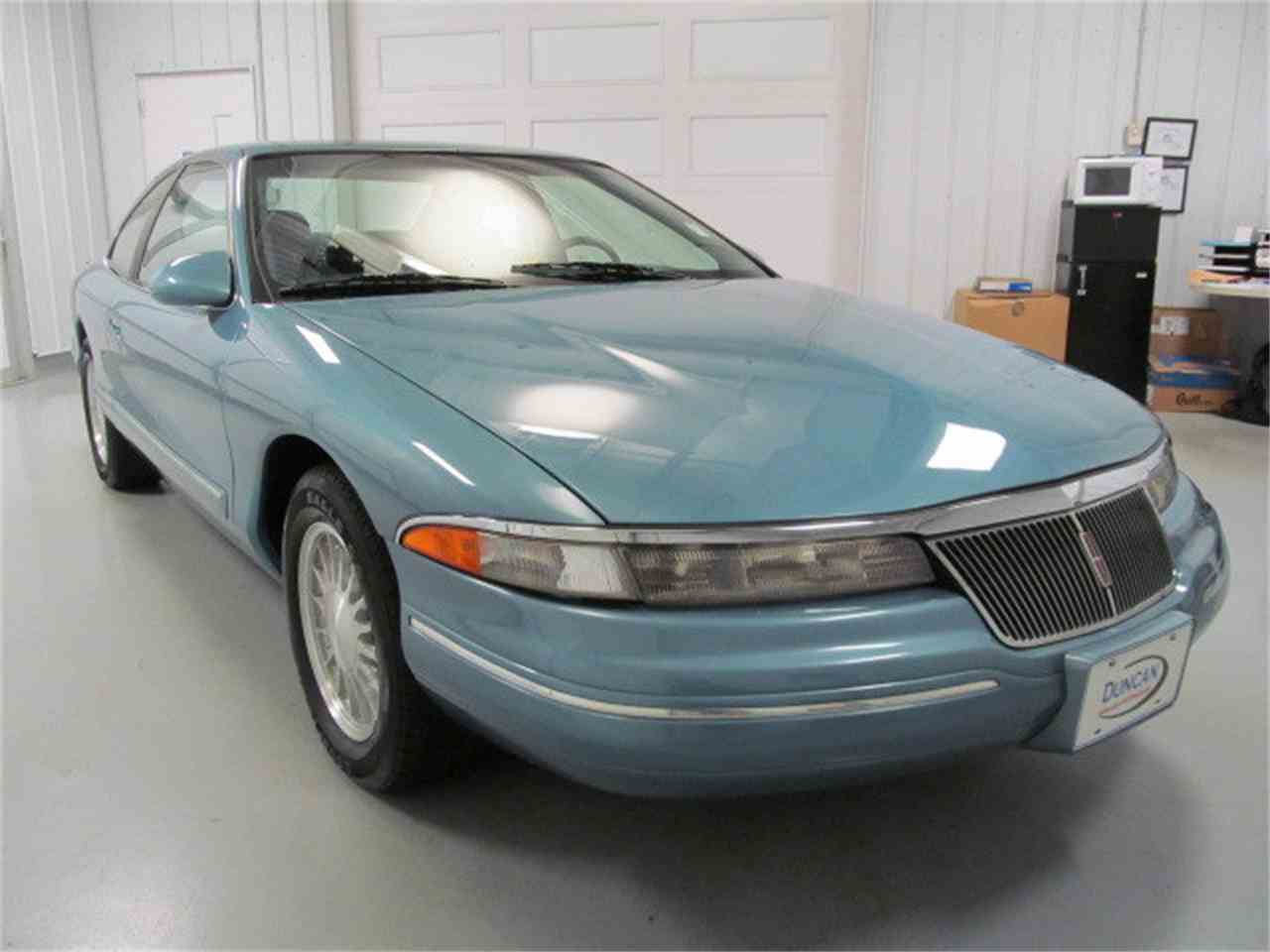 Large Picture of '93 Mark VIII - $9,900.00 Offered by Duncan Imports & Classic Cars - JL9Z