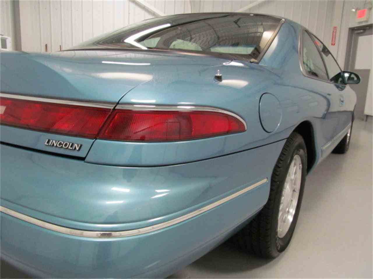 Large Picture of 1993 Lincoln Mark VIII located in Virginia - $9,900.00 - JL9Z