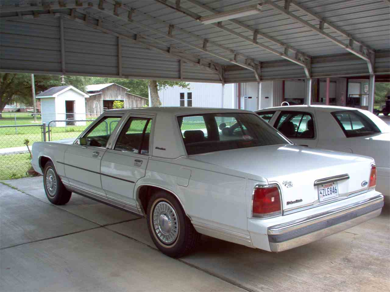 Large Picture of '89 Crown Victoria - JLE6