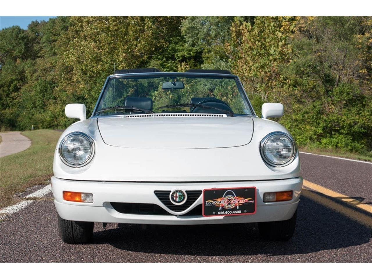 Large Picture of '93 Alfa Romeo Spider Auction Vehicle - JIHY