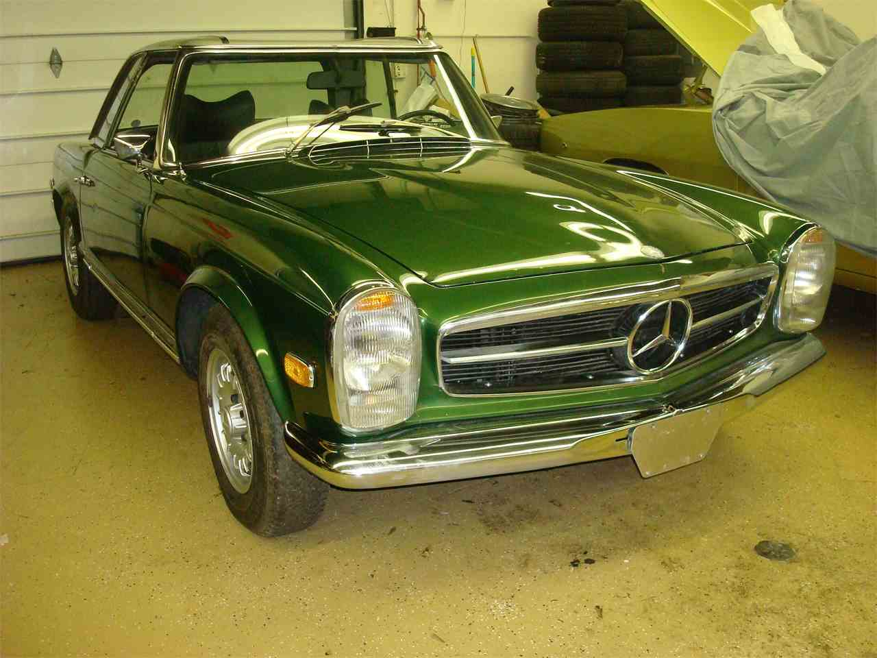 Large Picture of Classic '69 Mercedes-Benz 280SL located in NAPERVILLE Illinois Offered by Naperville Auto Haus - JLLL
