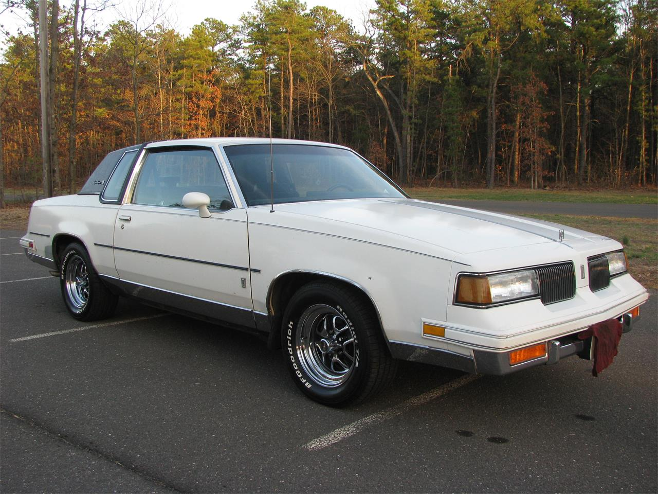 Large Picture Of 1987 Cutlass Supreme Brougham Located In New Jersey