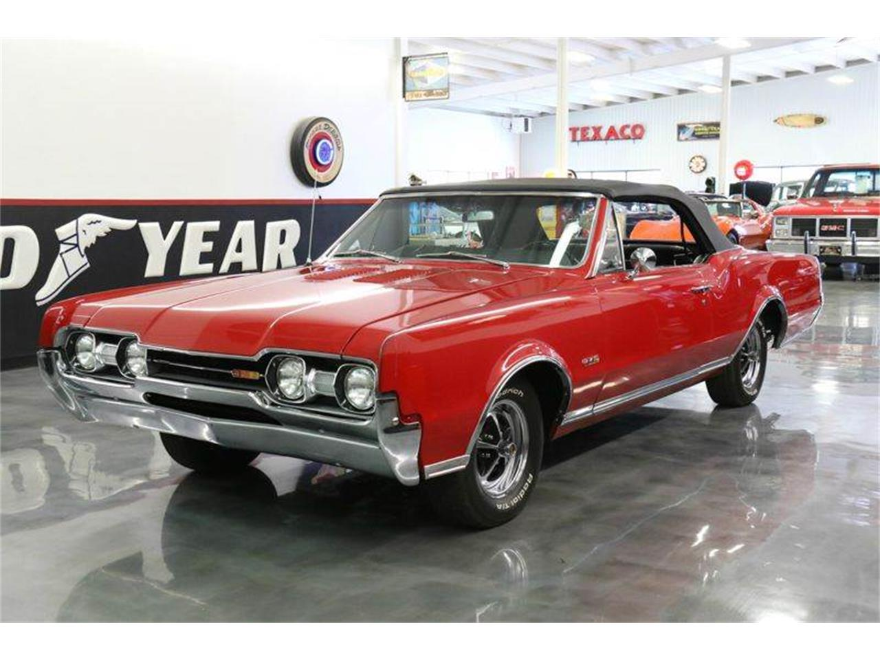 Large Picture of Classic '67 Oldsmobile 442 located in Fredericksburg Texas Offered by Street Dreams Texas - JM0X