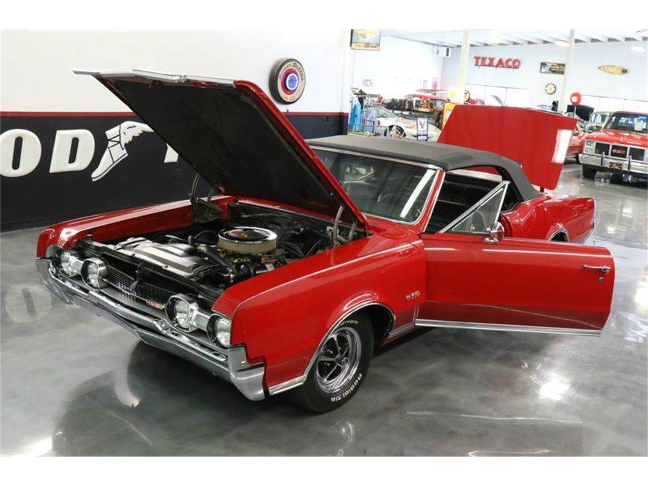 Large Picture of 1967 Oldsmobile 442 located in Texas - $45,000.00 - JM0X