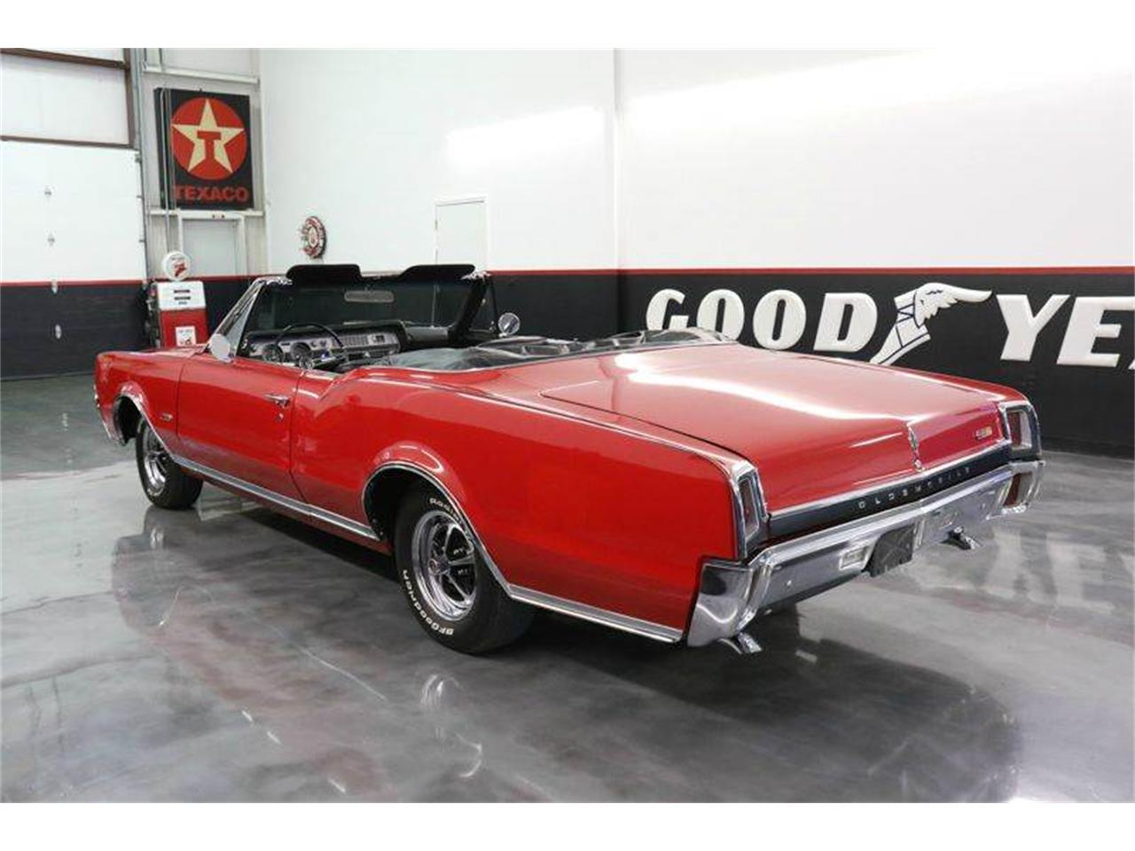 Large Picture of '67 Oldsmobile 442 Offered by Street Dreams Texas - JM0X