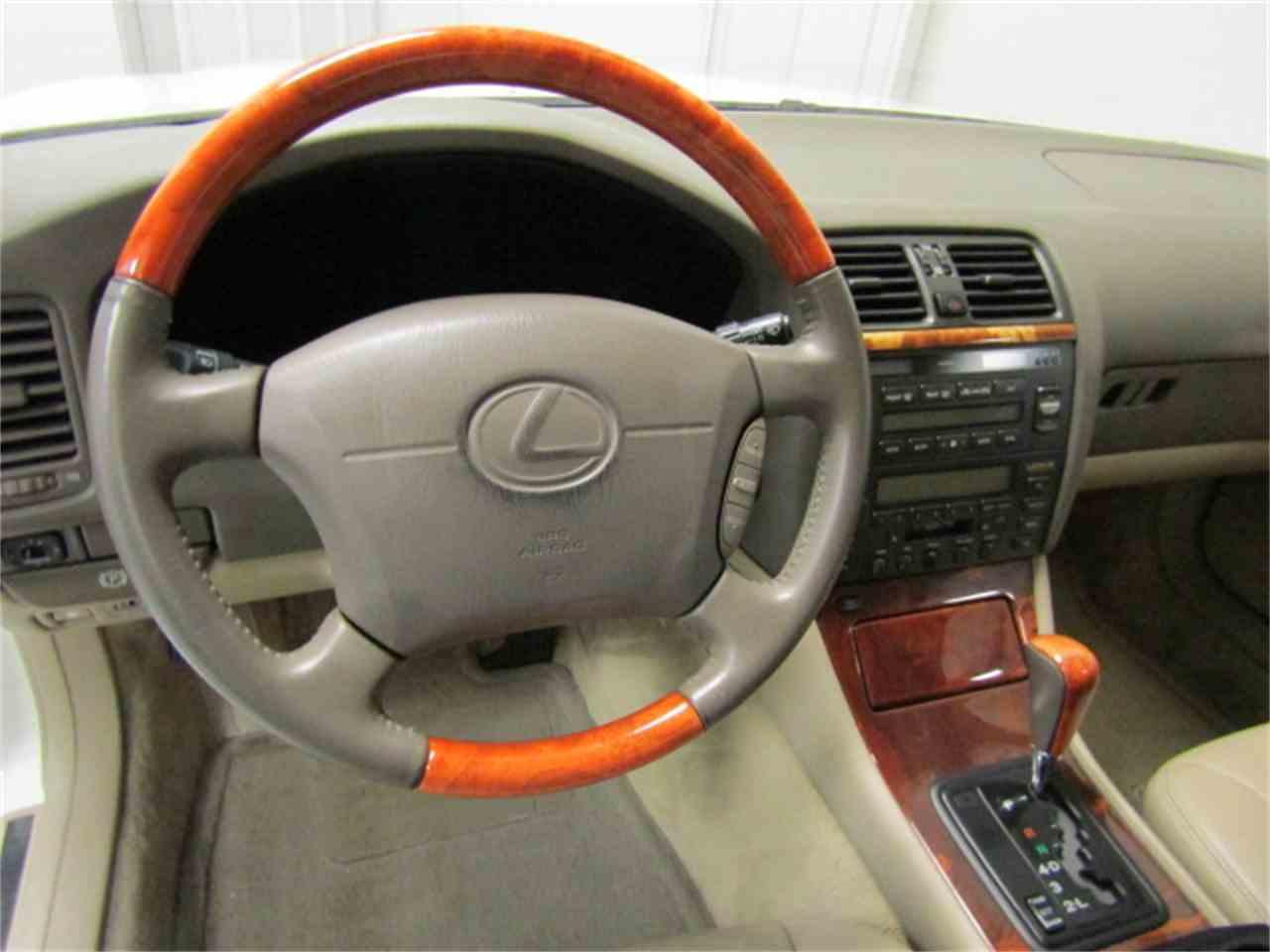 Large Picture of '99 Lexus LS400 located in Virginia - JM33