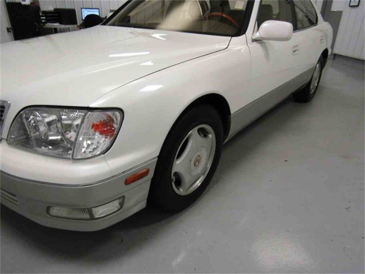 Large Picture of '99 Lexus LS400 located in Christiansburg Virginia - $8,994.00 Offered by Duncan Imports & Classic Cars - JM33
