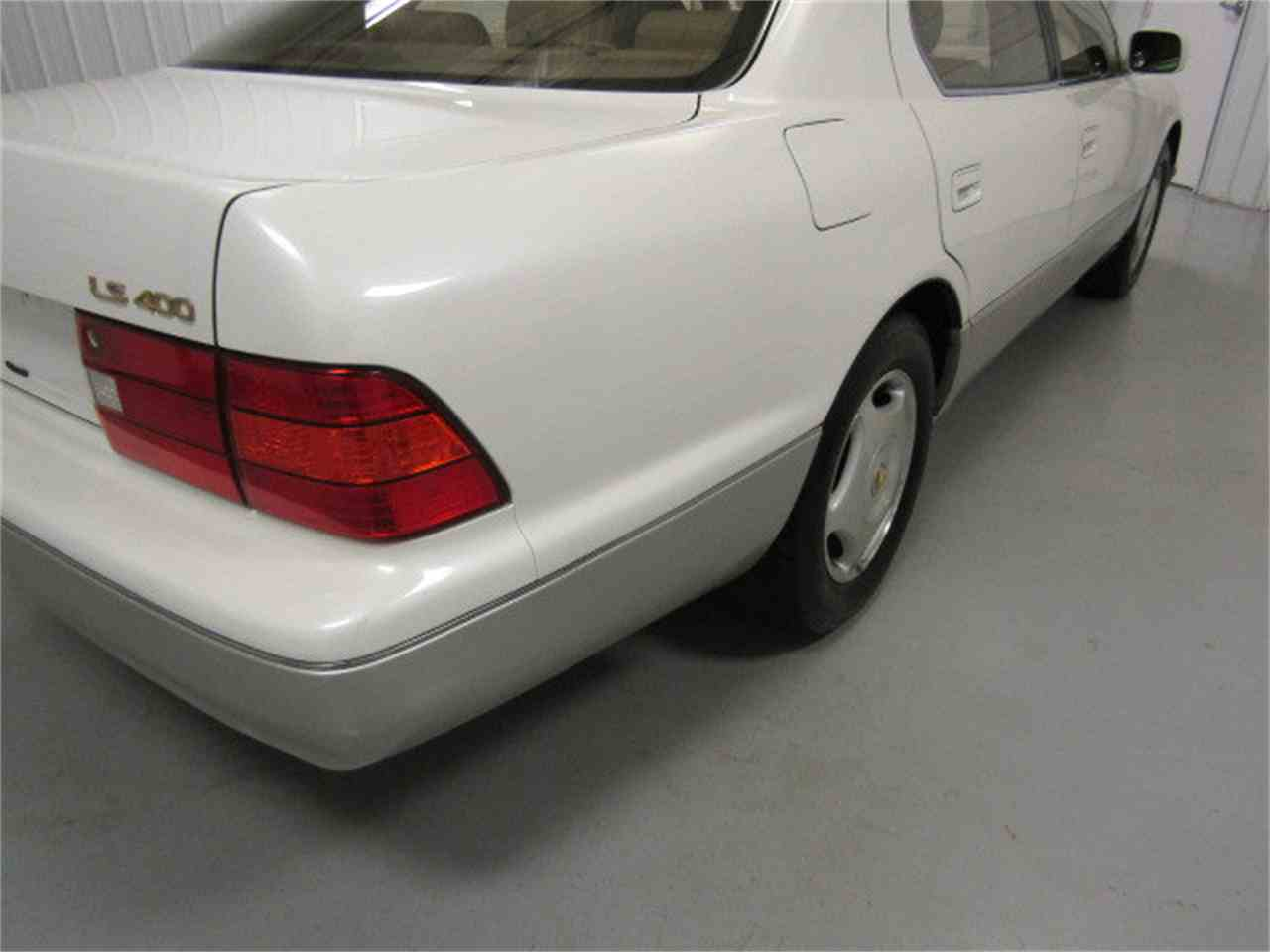 Large Picture of '99 LS400 located in Virginia - $8,994.00 - JM33