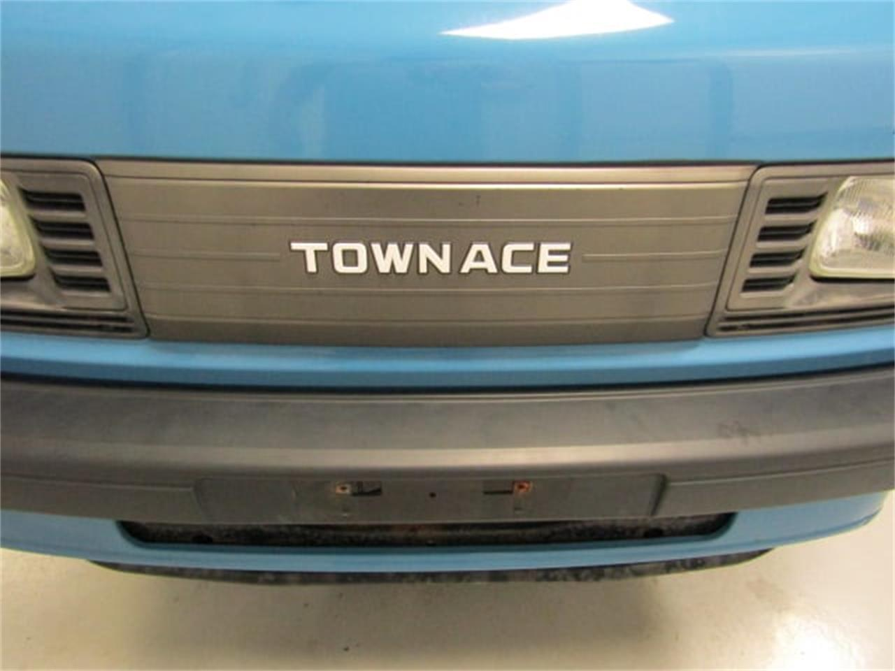 Large Picture of '88 TownAce Offered by Duncan Imports & Classic Cars - JM3S