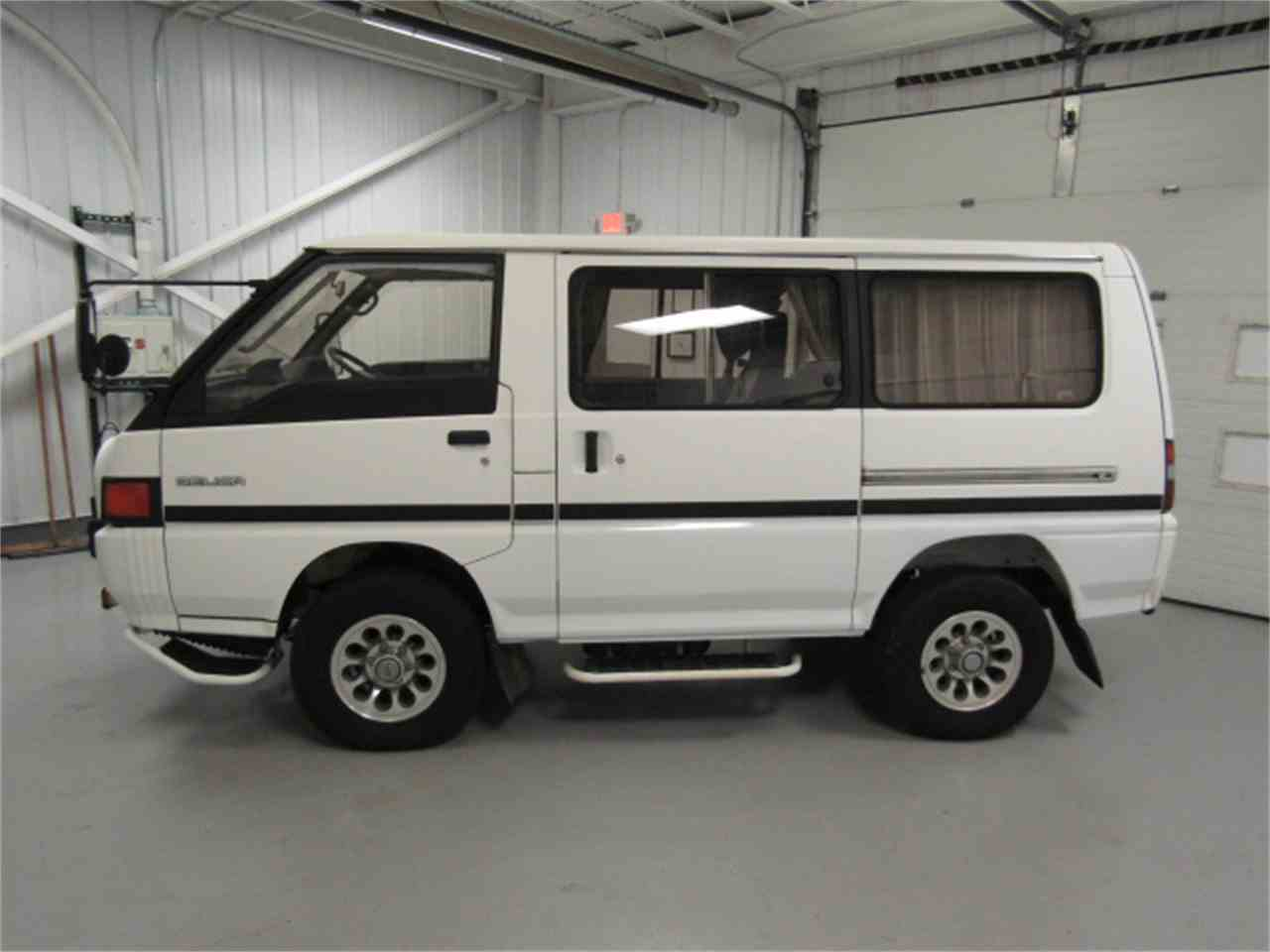 Large Picture of '89 Delica - JM5R