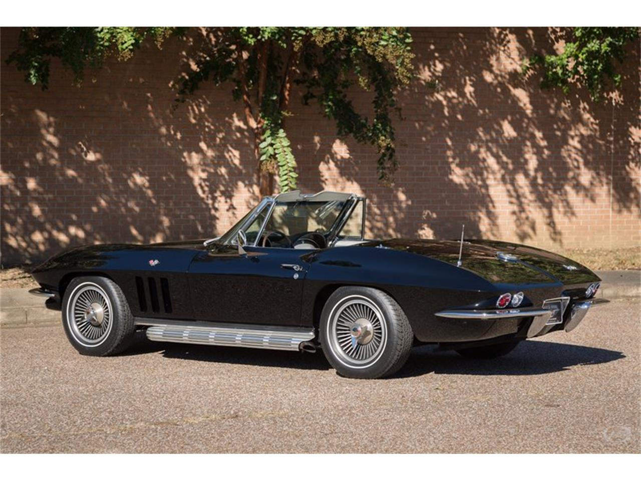 Large Picture of '66 Chevrolet Corvette located in Tennessee Offered by Art & Speed - JMLY