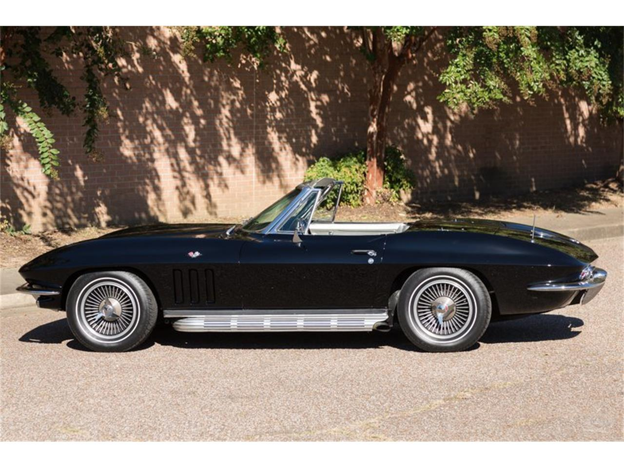 Large Picture of '66 Corvette located in Collierville Tennessee - JMLY