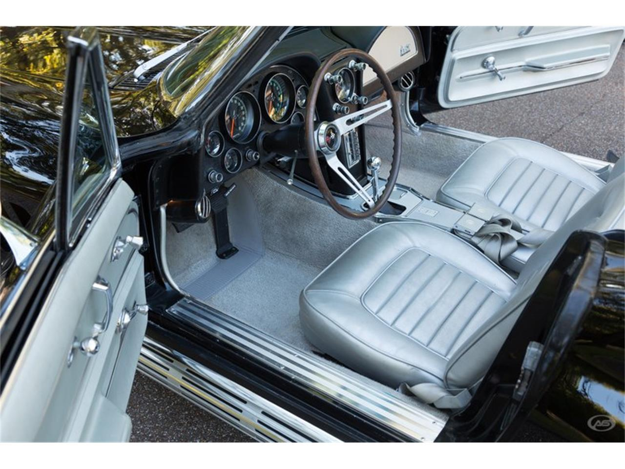 Large Picture of Classic '66 Chevrolet Corvette - $73,900.00 - JMLY