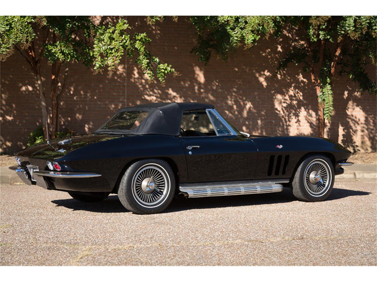 Large Picture of '66 Corvette located in Tennessee - JMLY
