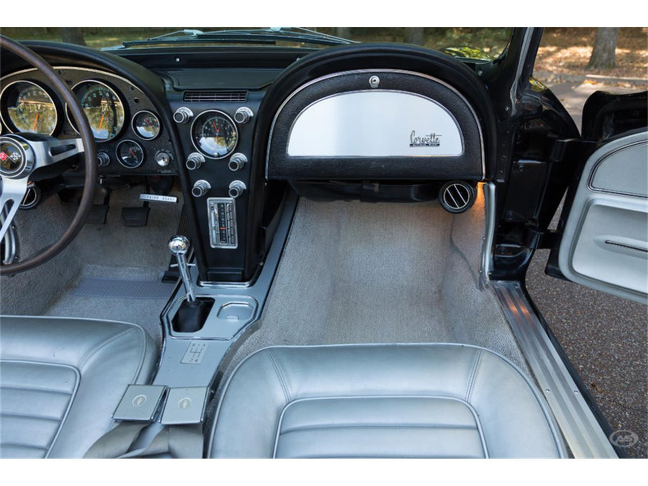 Large Picture of Classic '66 Corvette - JMLY