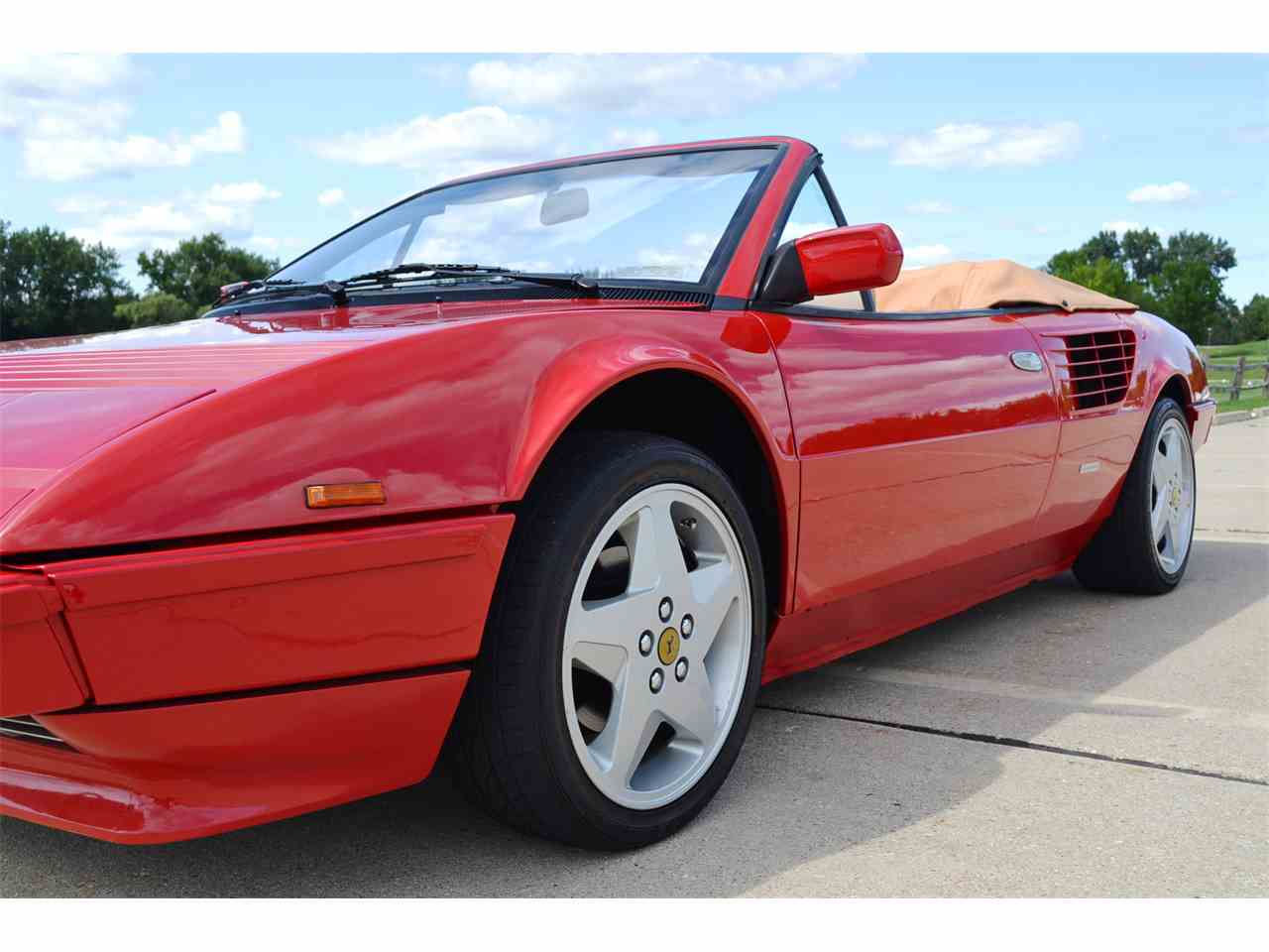 Large Picture of 1985 Ferrari Mondial Offered by Roadster Salon - JOFL