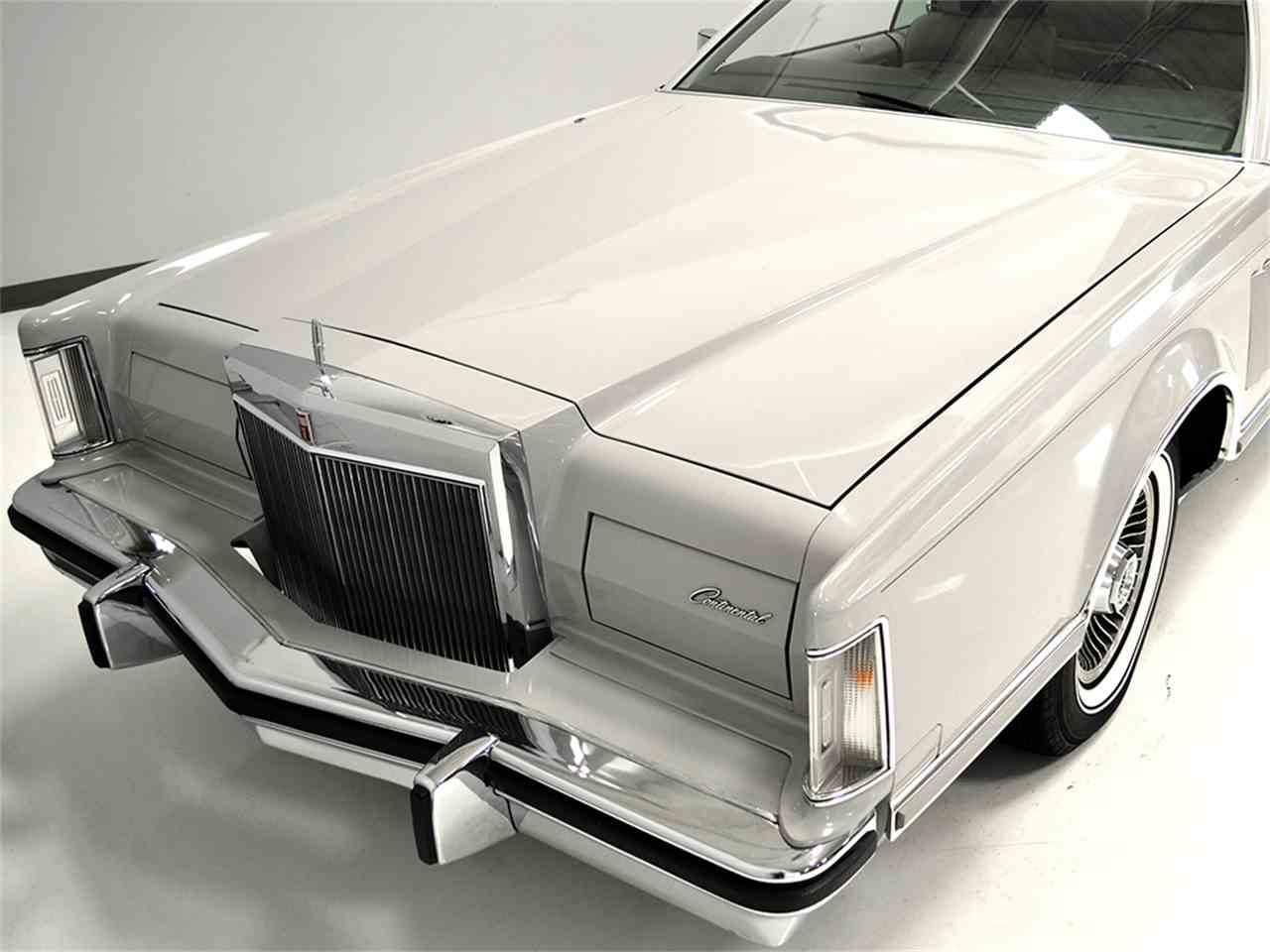 Large Picture of 1977 Continental Mark V located in Macedonia Ohio - $13,900.00 Offered by Harwood Motors, LTD. - JOGC